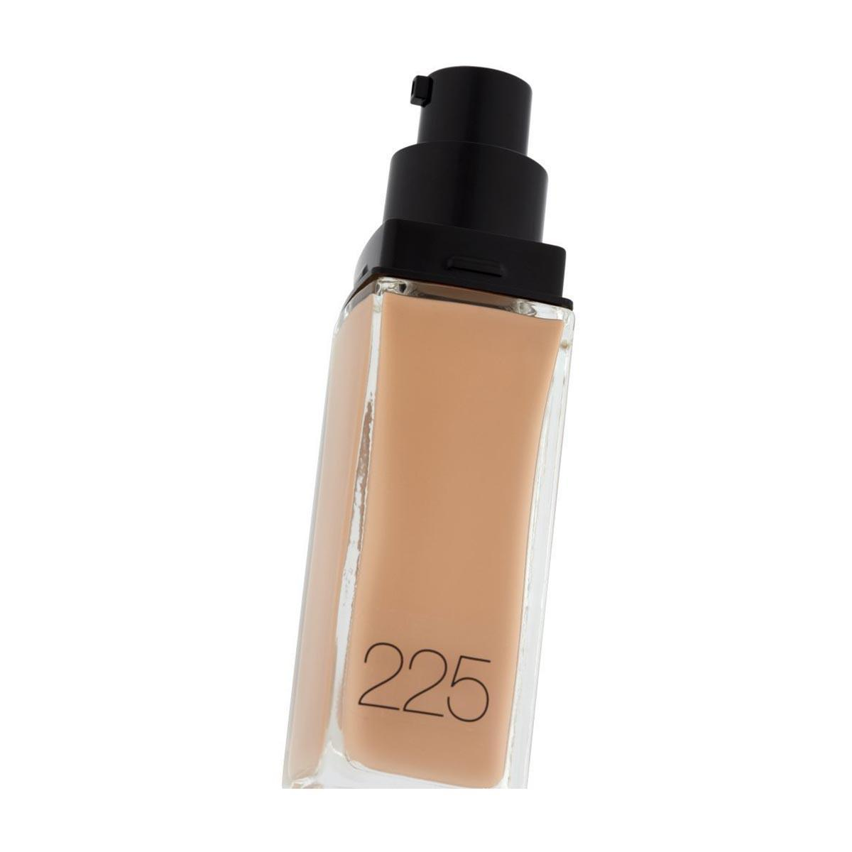 Maybelline Fit Me Liquid Base 225