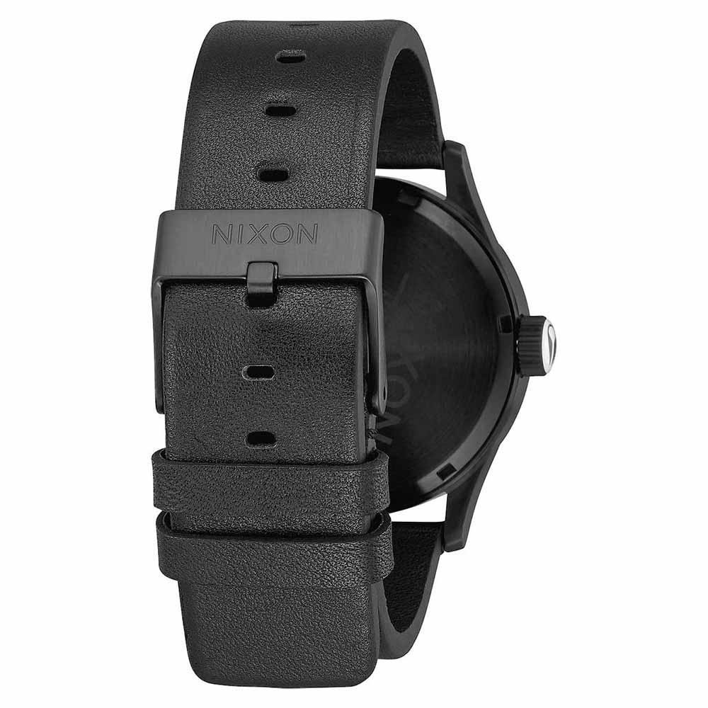 montres-nixon-sentry-leather, 114.45 EUR @ dressinn-france