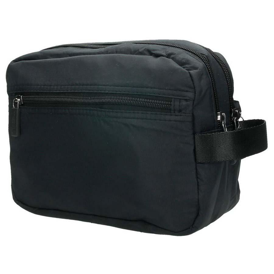 toiletry-bags-national-geographic-gate-toiletry-bag