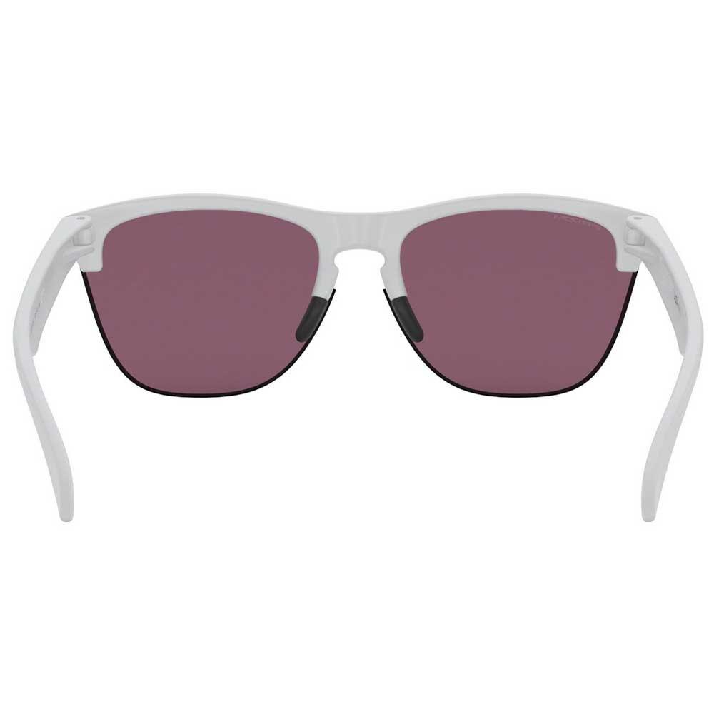 Accesorios Hombre Gafas de Sol Oakley Frogskins Lite. Inspiradas en el  deporte y en la cultura pop d46183ba113e