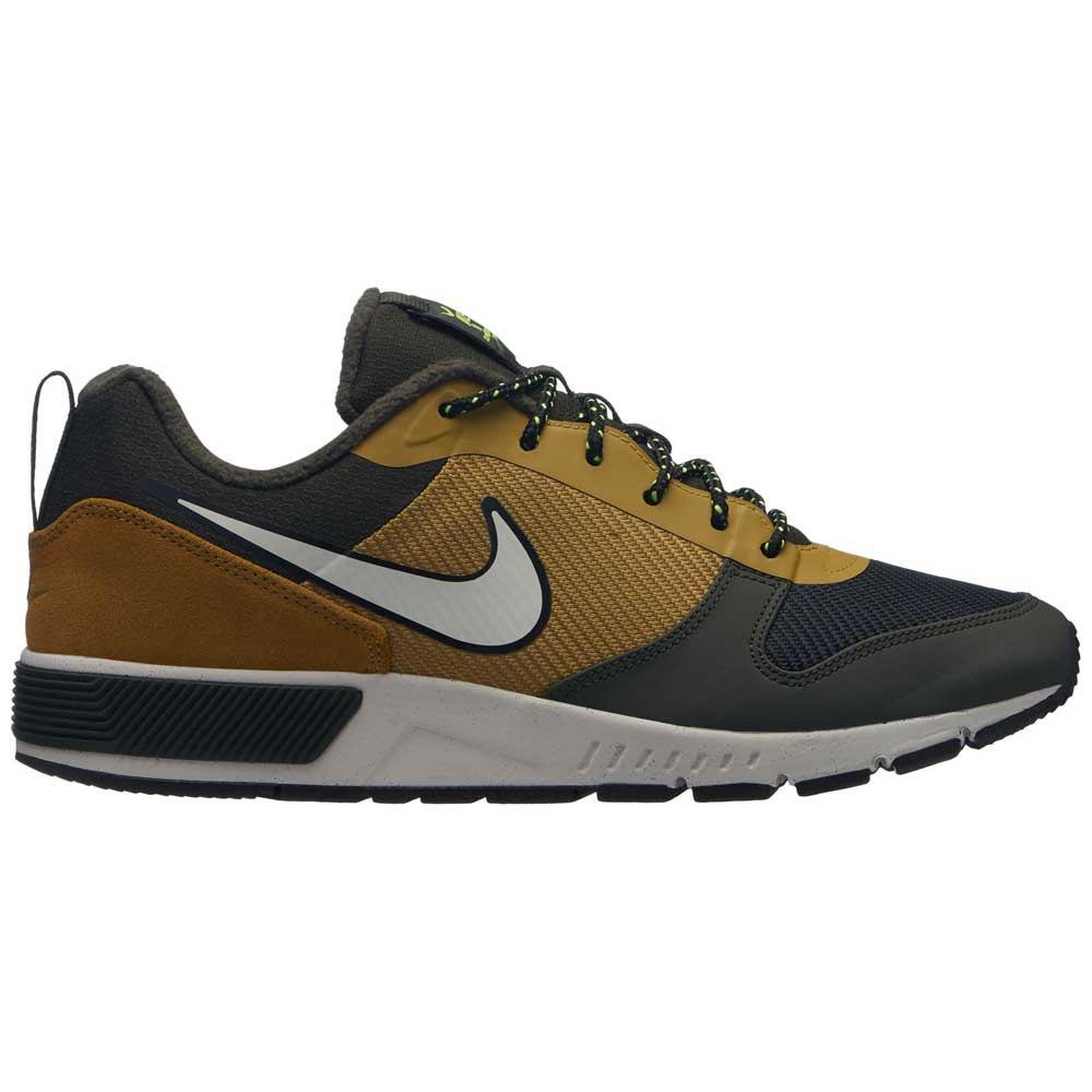 Nike Nightgazer Trail Bruin kopen en aanbiedingen, Dressinn