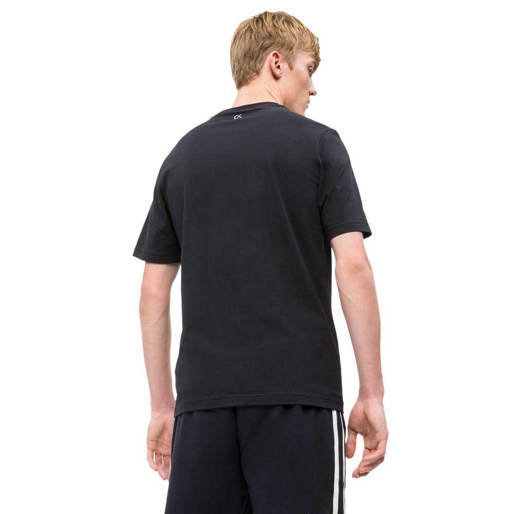 t-shirts-calvin-klein-logo, 31.95 GBP @ dressinn-uk