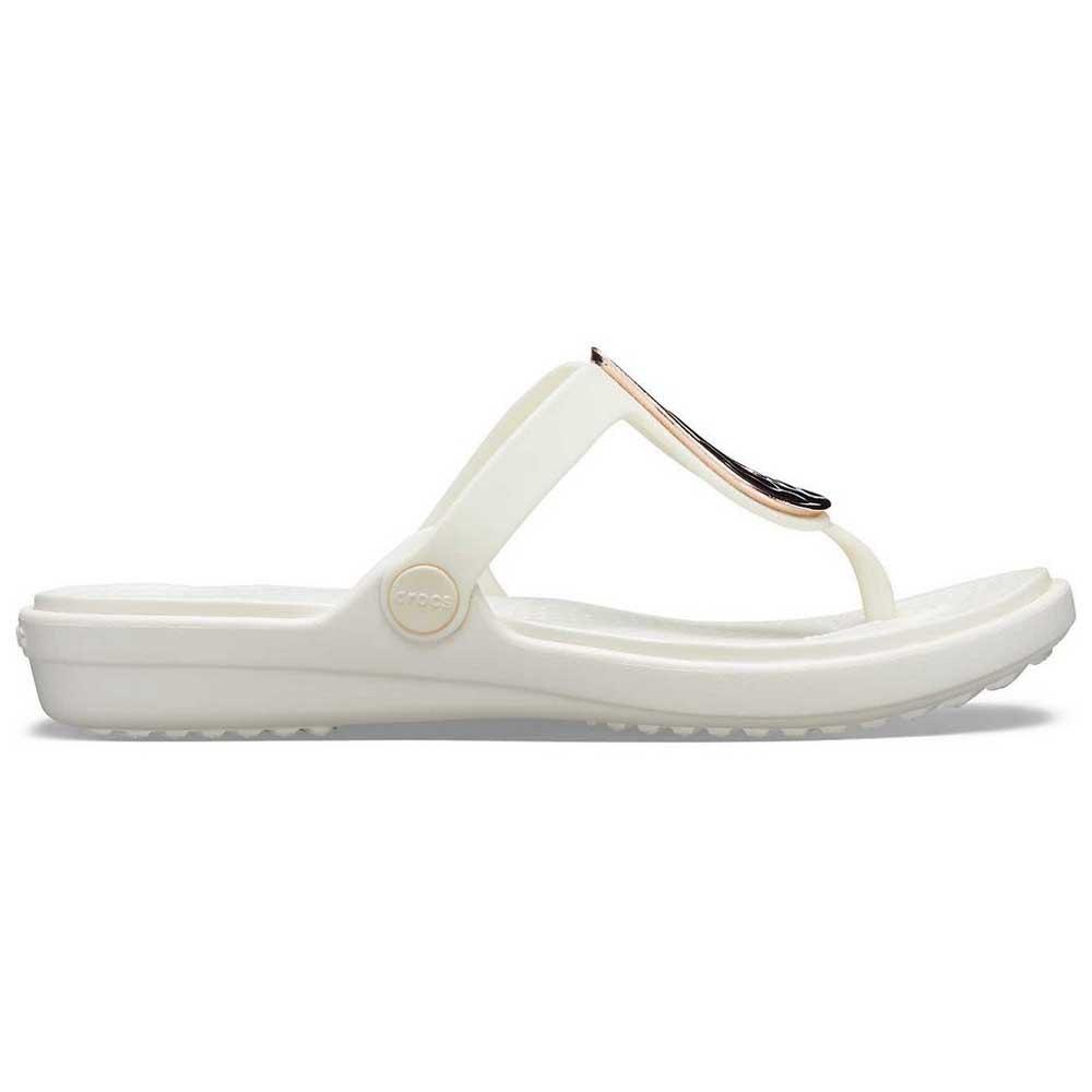 16191a6572bb ... Crocs Sanrah Liquid Metallic Flip ...