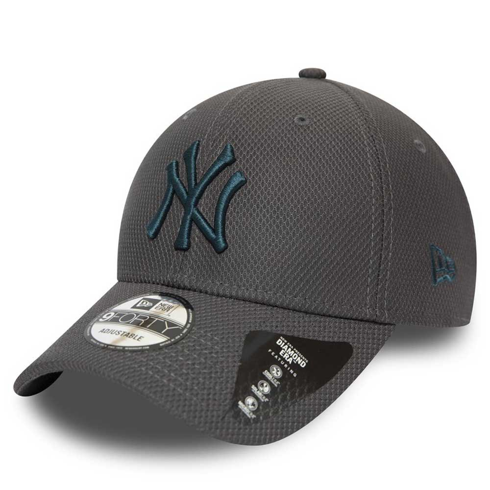 DIAMOND ERA NEW YORK YANKEES BLACK NEW ERA 9FORTY STRAPBACK CAP